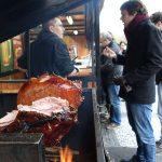 لحم مشوي في الشارع