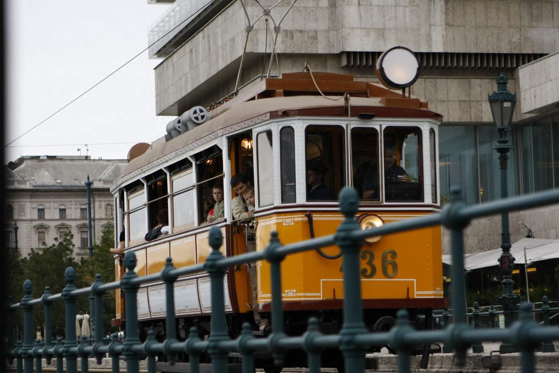 ahmedmamdouh-com-budapest-tram-2